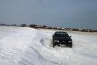 Fahrzeug steckt in Schneewechte
