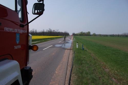 Verunreinigte Fahrbahn